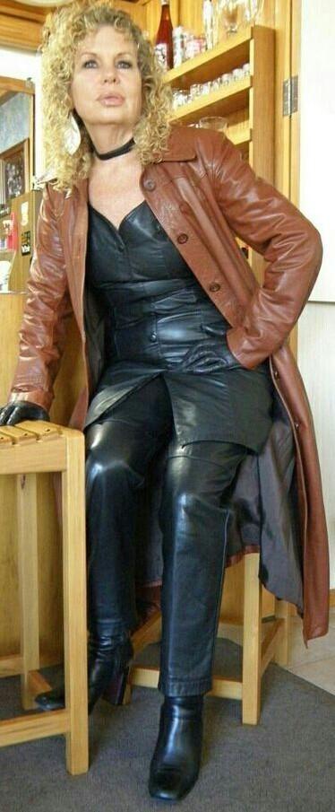 Pantalon bottes en cuir