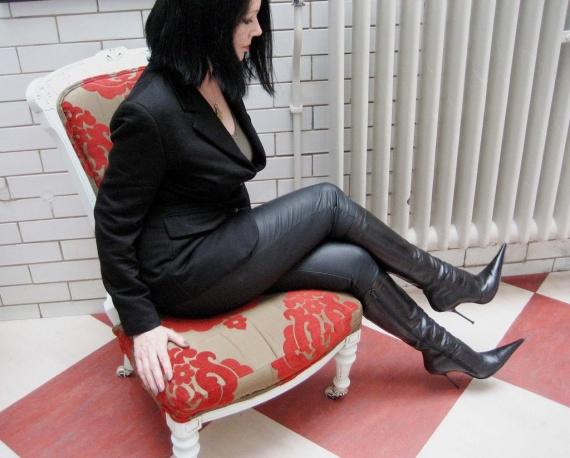 High Heel Knee Boot with Zip, Black Leather