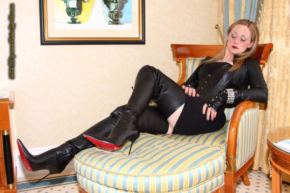 THIGHHIGHBOOTS_FETISH_MORNING_with_lady_Ann