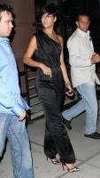 31797_celeb-city.org-The_Elder-Rihanna_2009-06-30_-_Night_out_in_NY_668_122_87lo