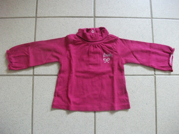 Sous pull rose lovely 2 euros