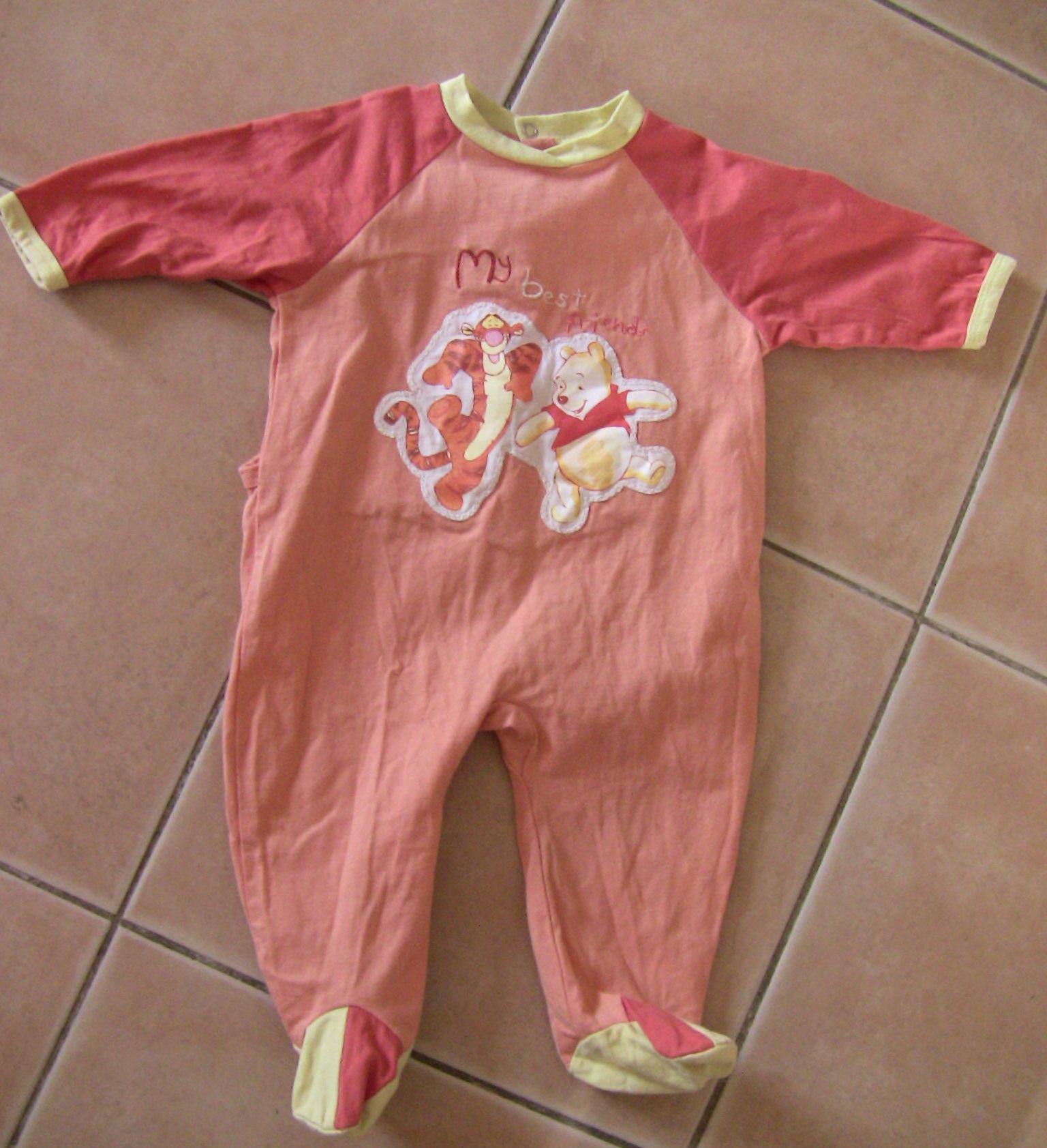 pyjama tigrou winnie t disney baby 9 mois 2 euros. Black Bedroom Furniture Sets. Home Design Ideas