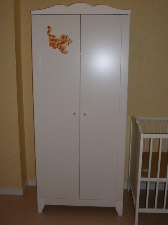 Son armoire