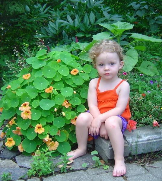 Bienvenidos al nuevo foro de apoyo a Noe #269 / 22.06.15 ~ 26.06.15 - Página 37 Images-in_the_garden_i_by_hyneige-img