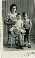 Ma Maman, mon frère Paul et ma soeur Marie