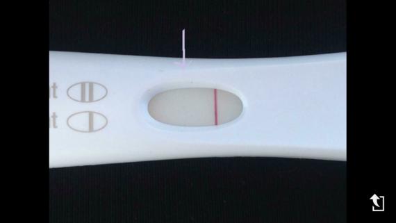 test de grossesse je voix une ligne et celui-ci je peu pas etre une barre devaporation car, photo pr
