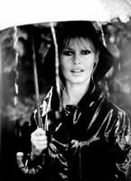 Brigitte Bardot avec son parapluie