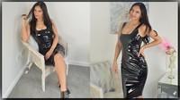 Cassie Clarke en robe pvc noir