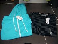 neuf taille S a vendre 8e la veste et 3e50 le tee (prix ferme meme si lot)
