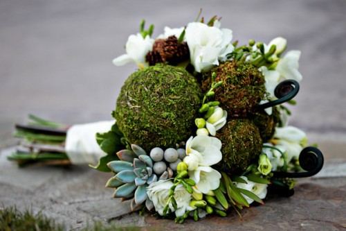green-moss-succulent-bouquet-500x333
