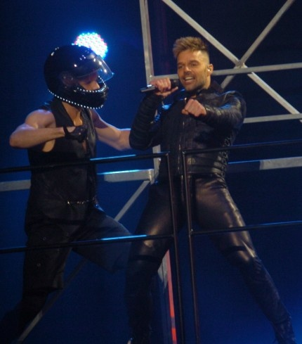 ricky-martin-shirtless-leather-puerto-rico-concert-03282011-05-430x489