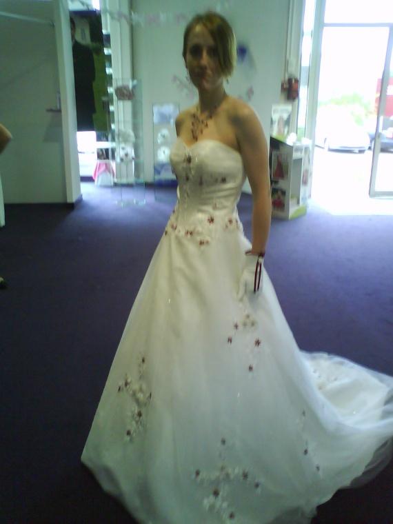 robe de mariage sur rennes - Point Mariage Lorient