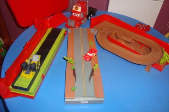 Cars camion mack sonore 35 euros jouets anad62 photos club doctissimo - Cars camion mack ...