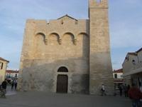 Façade de l'église de Saintes Maries de la Mer