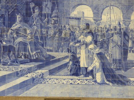 Azulejos décorant le vestibule de la gare de Saint-Benoit