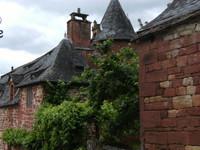 Maison typique avec tour