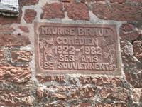 Plaque en mémoire de Maurice Biraud habitant du village