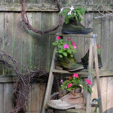 pots de fleur godasse palette deco malin etre soi. Black Bedroom Furniture Sets. Home Design Ideas