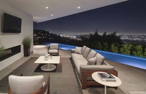 Piscine debordement terrasse mobilier teck coussins gris piscine clairage le - Terrasse teck piscine ...
