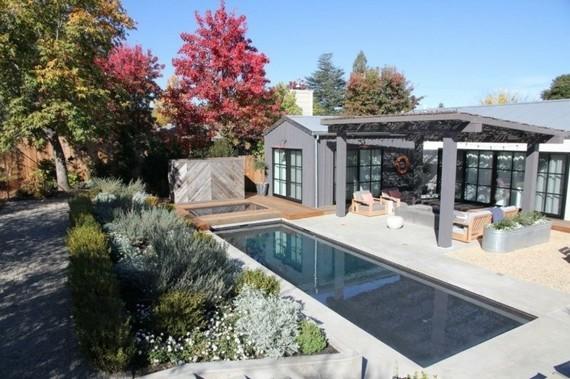 piscine-jardin-luxe-rectangulaire-terrasse-couverte - Piscines de ...