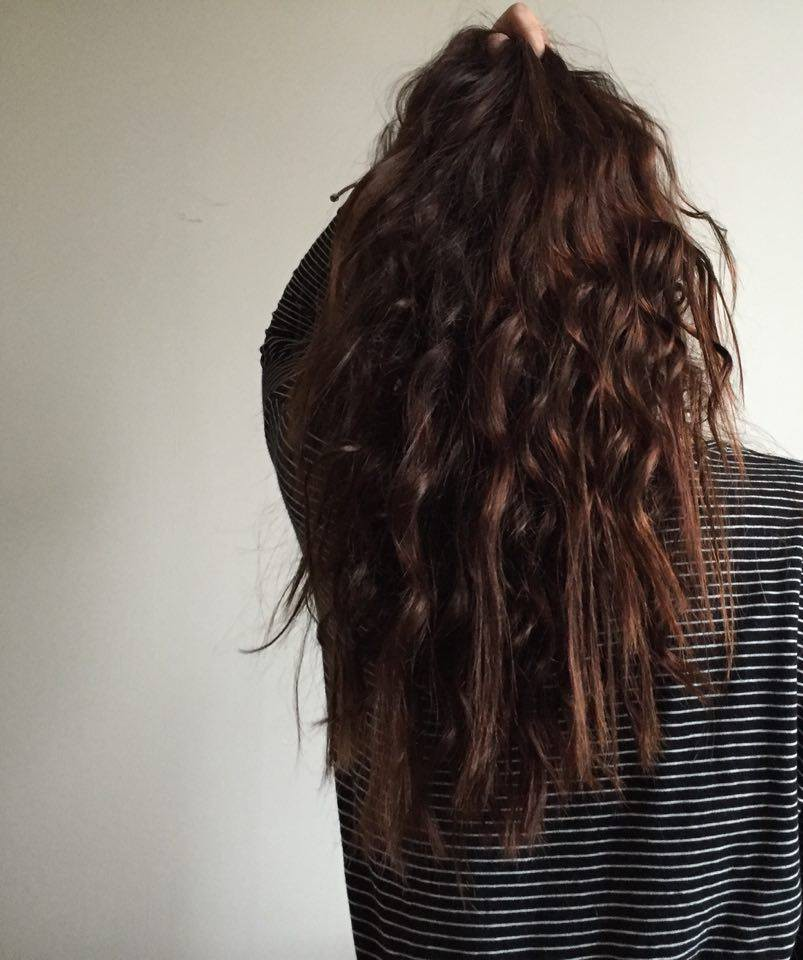 Cheveux chatain et gris