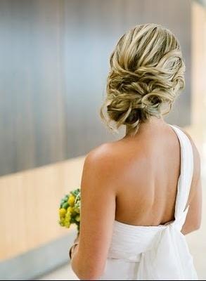 Coiffure de mariage: le Chignon!! dans Bijoux / Maquillage mariage-chignon-img