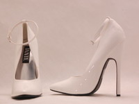 white-high-heels-womens-shoes-6763468-640-480