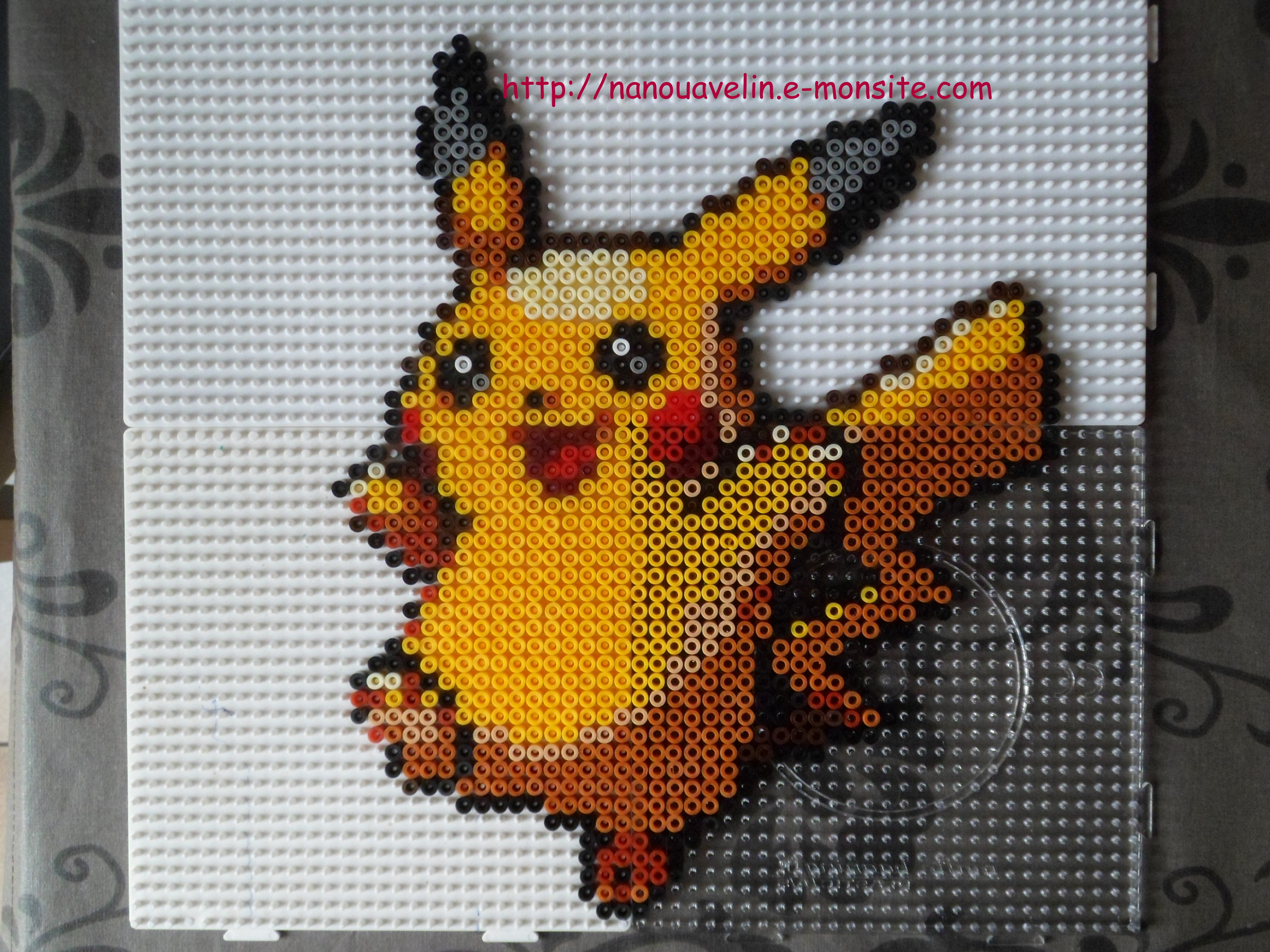 perles hama pokemon pikachu 1 perles repasser. Black Bedroom Furniture Sets. Home Design Ideas