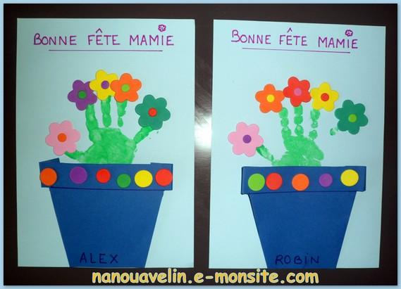 De jolie fleurs dans leur pot