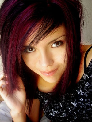 2009 emo hairstyle1 - Coloration Cheveux Noir Reflet Rouge