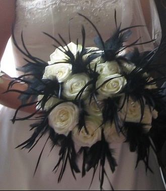 black-and-white-wedding-flowers