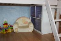 Sous le lit , la future cabane de Etienne !!!