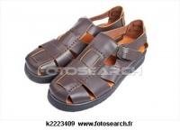 sandales identiques mais bleues petit pirate P24 5e