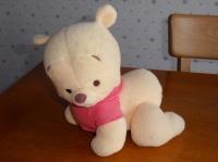 6€ Stéphanie A le 10.10.12 LBC ( Winnie avance à 4 pattes et invite bébé à le suivre )