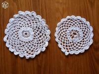 deux petits napperons 10 et 8,5 cm lot 1€