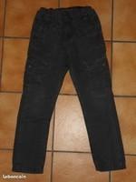 7 ans Toile OKAIDI gris foncé coutures rouge 2€
