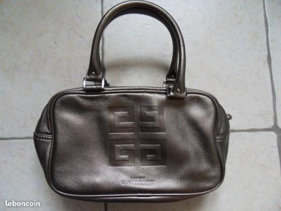 5€ sac NEUF Jeune fille en gare de Maisse LE 08-11-17
