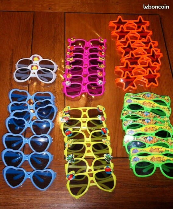3€ lot de 36 paires de lunettes Maud Pierrequin LBC le 13-08-20