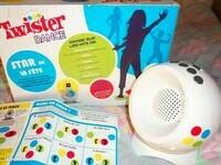 10€ Twister Dance Britney Spears Jouet Hasbro  le 19-12-20 Dame De Moret S/ Loing
