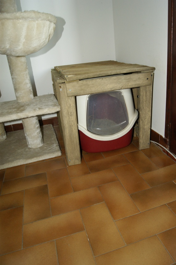 Joli bac liti re ou maisonnette bois chats forum animaux for Meuble litiere chat