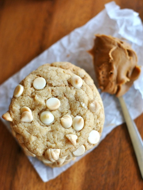 Cookie chocolat blanc et cuillere caramel