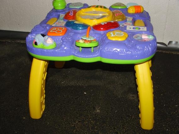Table d 39 activit winnie l 39 ourson vendu anonyme2809 - Table winnie l ourson et chaise ...