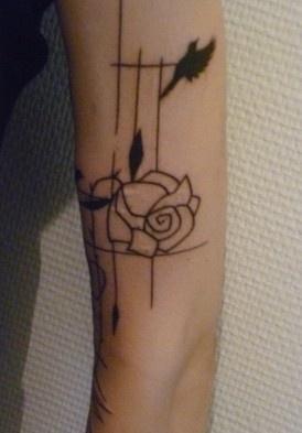 Tatouage Pour Recouvrir Une Cicatrice Tatouages Et Piercings