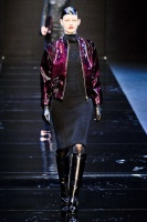 GUY-LAROCHE-FALL-2012-RTW-PODIUM-002_runway