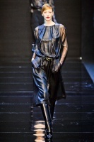 GUY-LAROCHE-FALL-2012-RTW-PODIUM-008_runway