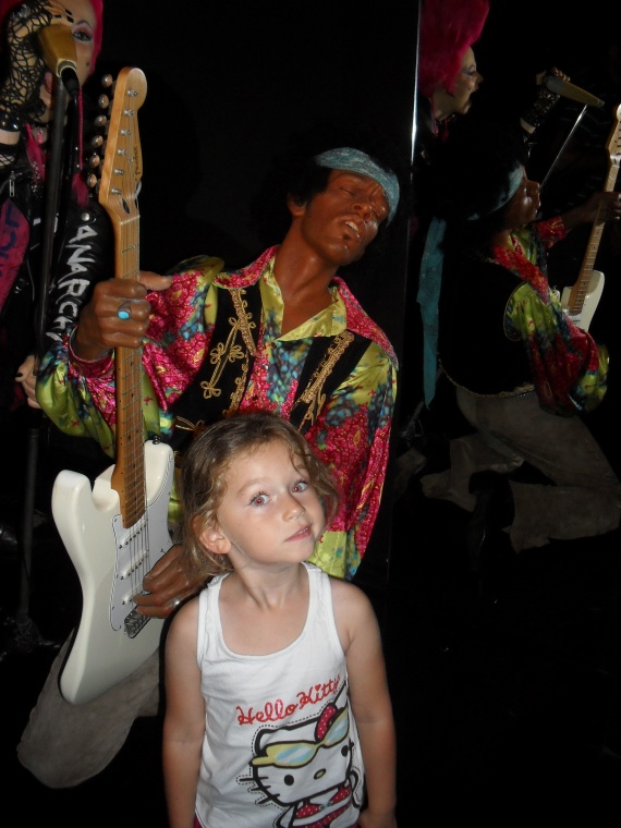 Valentine et Jimi Hendrix Grévin