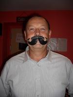 Dany soirée moustache