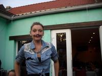 Sandra soirée moustache