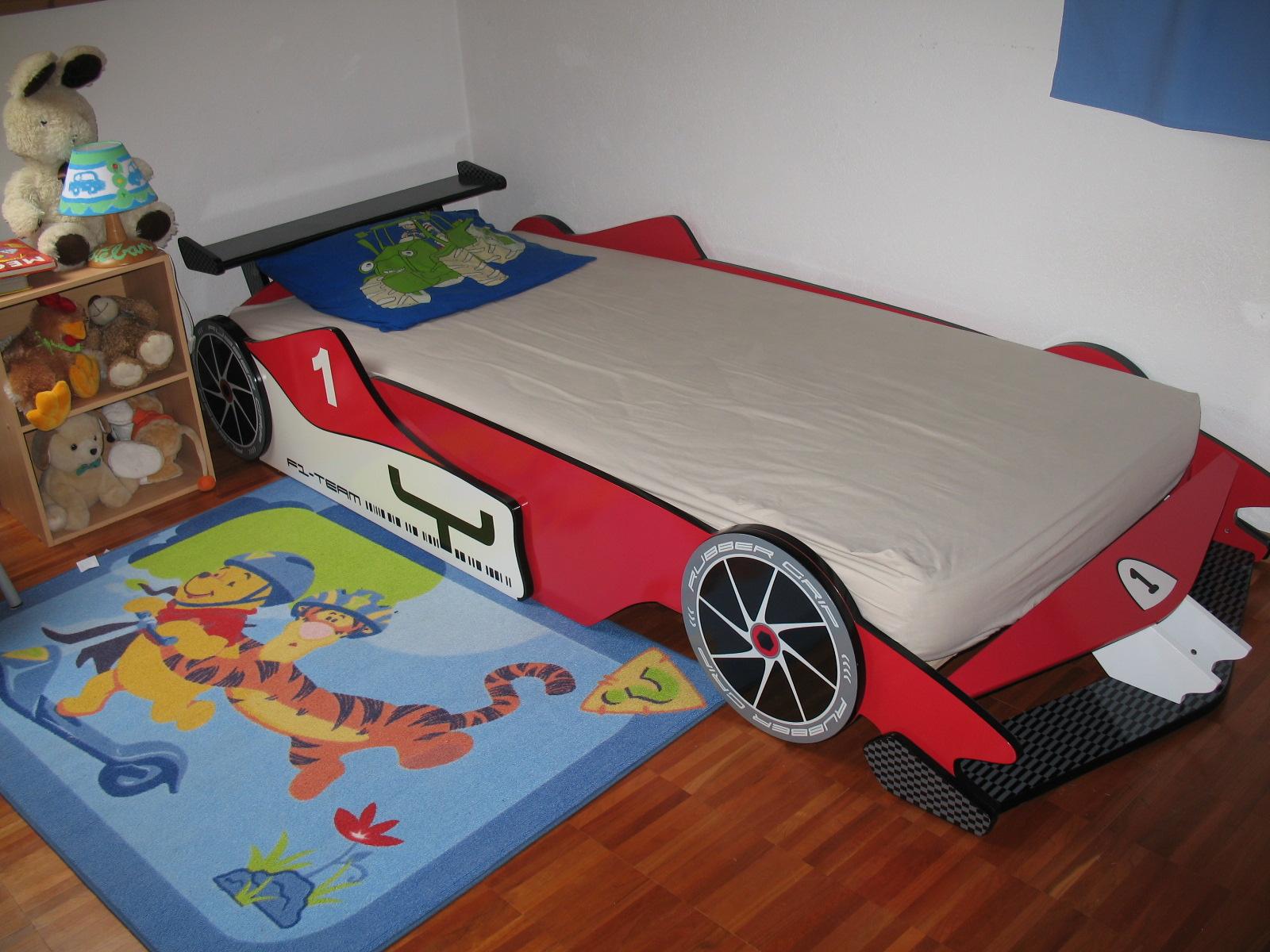 je vais aller tr s tr s vite dormir dans ce lit f1 non. Black Bedroom Furniture Sets. Home Design Ideas