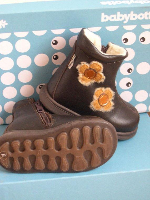 chaussures neuves babybotte t19 - 35e